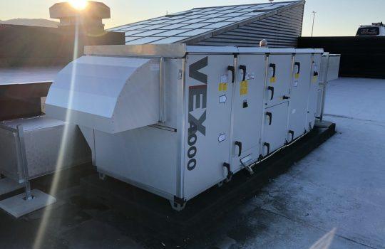 Ventilasjonsanlegg montert utvendig på tak